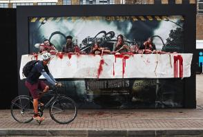 walking-dead panneau street-marketing